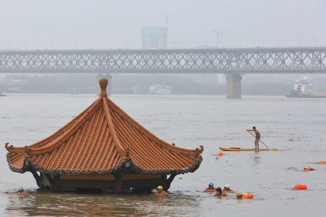 Vì sao mưa lũ ở Trung Quốc nghiêm trọng hơn mọi năm?
