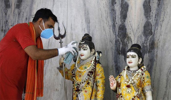 Vì sao người Ấn Độ thờ nữ thần Corona giữa đại dịch?