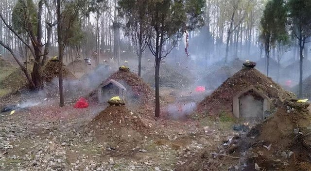 Vì sao người Trung Hoa xưa đắp một gò đất nhỏ trên mộ?