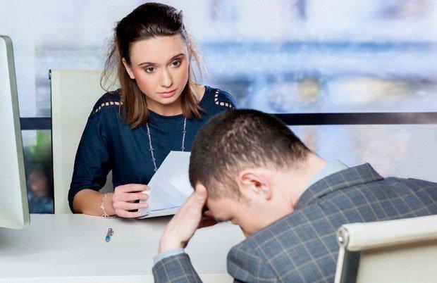 Vì sao nhìn vào mắt nhau khi trò chuyện sao lại khó đến thế?
