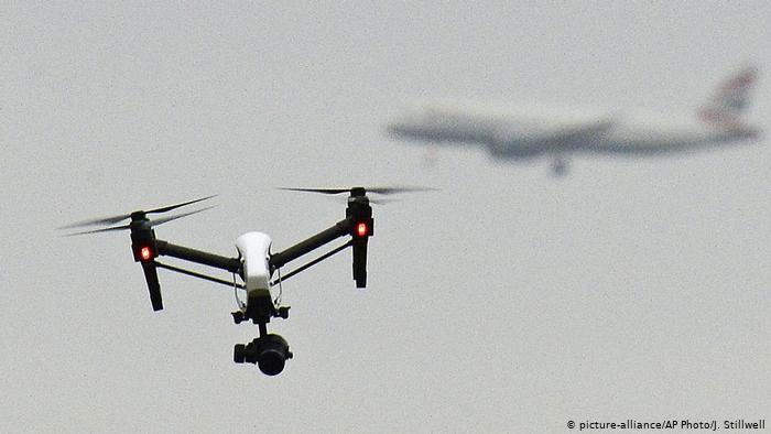 Vì sao phải dùng súng chuyên dụng mới bắn hạ được drone?