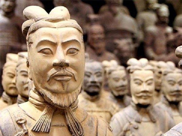 Vì sao tượng binh mã trong lăng Tần Thủy Hoàng có mắt một mí?