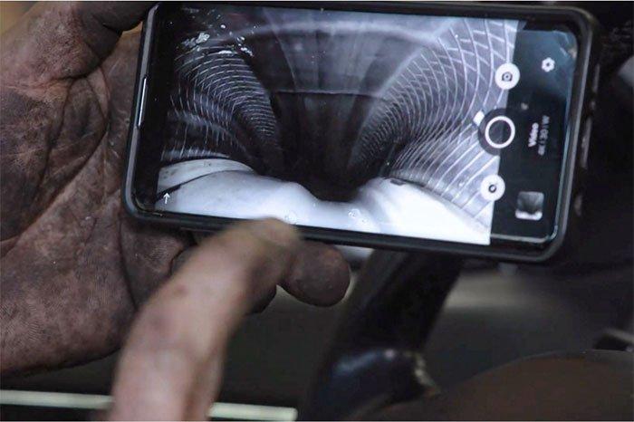 Video cho thấy những điều từ bên trong bánh xe ô tô khi di chuyển