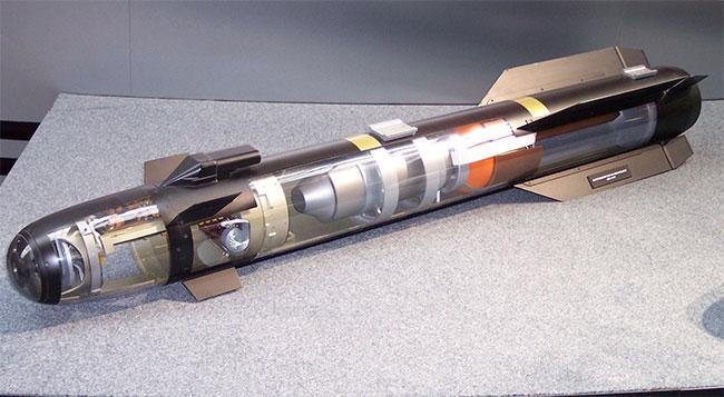 Vũ khí phóng và quên khác phóng và bỏ chạy như thế nào?