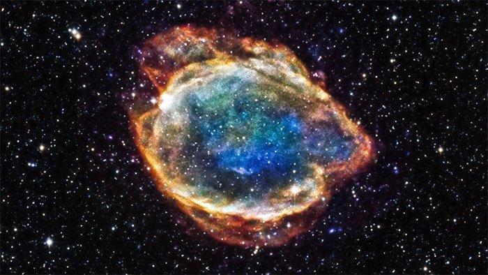 Vũ trụ tràn ngập những quả bom nguyên tử tự nhiên, chực chờ phát nổ