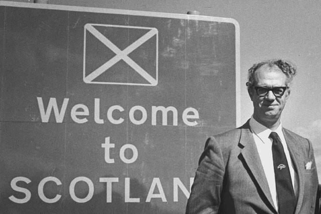 Xiaomi chi tiền tỷ làm logo đã là gì, chiến dịch đổi slogan du lịch thành Welcome to Scotland tốn tới 7,3 tỷ VNĐ lận