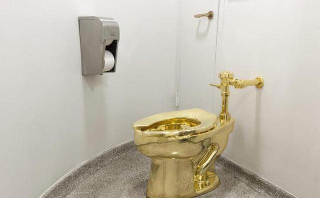 Bí ẩn vụ trộm bồn cầu vàng 18 cara tại cung điện nước Anh