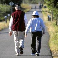 12 mẹo đi bộ cho người đau đầu gối