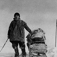 14/12/1911 - Đội của Roald Amundsen trở thành những người đầu tiên đi đến Nam Cực