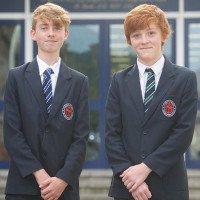 2 thần đồng 14 tuổi có IQ cao hơn