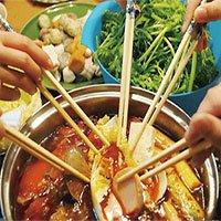 3 kiểu ăn cơm cực tai hại mà người Việt cần phải từ bỏ ngay trước khi rước thêm bệnh cho mình