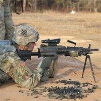 5 khác biệt chính giữa súng máy và súng trường tự động