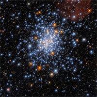 Ảnh chụp cụm sao lấp lánh cách Trái đất 180.000 năm ánh sáng