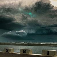 Ánh sáng xanh bí ẩn trong cơn dông ở Úc