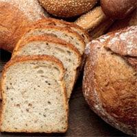 Anh thêm axit folic vào bột mì phòng dị tật cột sống bẩm sinh
