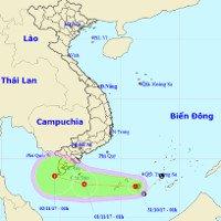 Áp thấp nhiệt đới trên biển Đông gây mưa ở Trung Bộ và Nam Bộ