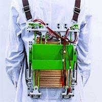 Ba lô tạo ra điện trong lúc người đeo đi bộ