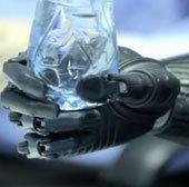 Bàn tay robot Bebionic3 - Tương lai của Cyborg không còn xa