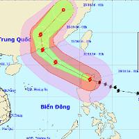 Bão Haima gây gió giật cấp 16 tiến vào biển Đông