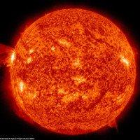 Bão lửa Mặt Trời giải phóng năng lượng bằng hàng triệu bom nguyên tử