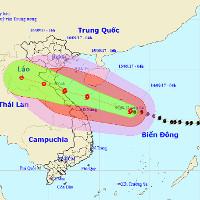 Bão số 10 tiến sát đất liền Hà Tĩnh - Quảng Bình