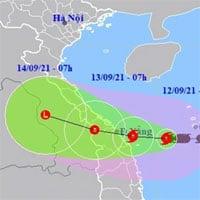 Bão số 5 đang gây mưa lớn, gió mạnh trên đất liền Quảng Trị - Quảng Ngãi