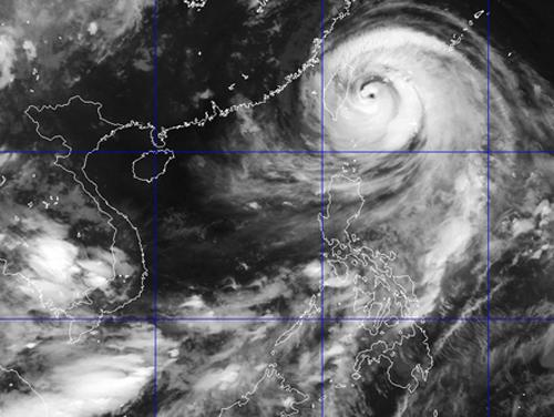 Bão Soudelor tiến vào Đài Loan, biển Đông có gió mạnh