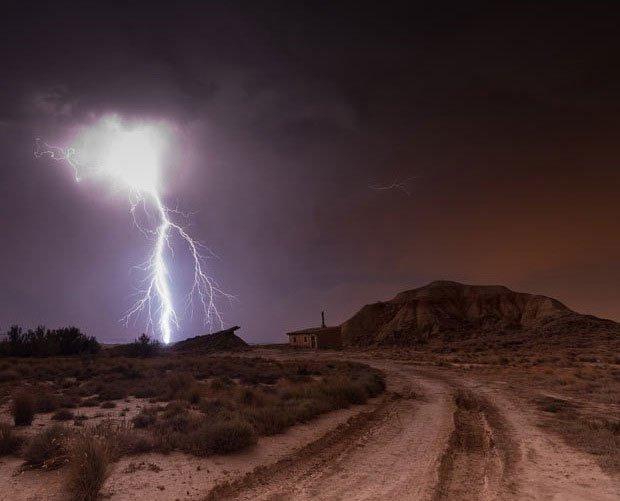 Bầu trời đêm kỳ ảo miền quê Tây Ban Nha