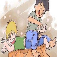 Bệnh lạ: Thấy người khác bị cù lét mà người bệnh... nhột
