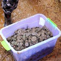 Bí ẩn 5,6 tấn tiền xu cổ chôn dưới ngôi làng Trung Quốc