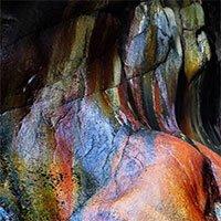 Bí ẩn hang động màu cầu vồng có khả năng chứa bách bệnh bị lãng quên ở Mỹ