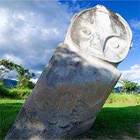 Bí ẩn hàng trăm khối cự thạch ở Indonesia