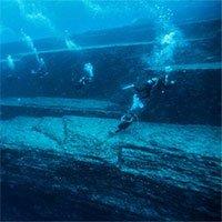 Bí ẩn kim tự tháp khổng lồ dưới đáy biển Bồ Đào Nha
