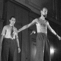 Bí ẩn người đàn ông bị kiêm đâm xuyên qua ngực tới 500 lần mà không chết
