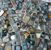 Bị bệnh da liễu vì điện thoại kiểu cũ