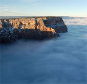 Biển sương mù phủ quanh hẻm núi Grand Canyon