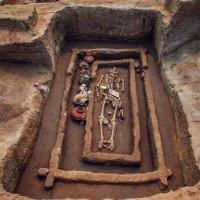 Bộ xương gần hai mét trong mộ 5.000 năm ở Trung Quốc