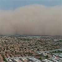 Bức tường cát hơn nghìn mét ập xuống thành phố Mỹ
