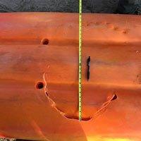 Cá mập cắn thủng thuyền để lại dấu răng dài 60 cm