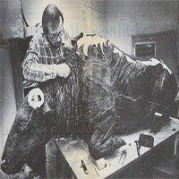 Các nhà khảo cổ làm gì khi phát hiện ra xác ướp bò rừng 36.000 năm tuổi?
