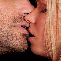 Các nhà khoa học cho rằng bạn có thể mắc bệnh lậu vì hôn kiểu Pháp