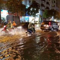Các tỉnh Bắc Bộ tiếp tục mưa lớn, Hà Nội hửng nắng về chiều