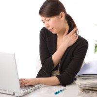 Cách chữa trị và đề phòng đau vai gáy sau khi ngủ dậy