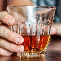Cách sơ cứu người ngộ độc rượu