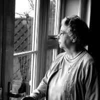 Cảnh báo: Người cô đơn tăng 30% nguy cơ bị đột quỵ