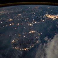 Cảnh đêm ở thành phố Hồ Chí Minh nhìn từ vũ trụ