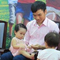 Cặp song sinh chào đời từ tinh trùng bất động của cha