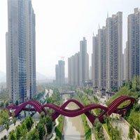 Cầu đi bộ ngoằn ngoèo như mê cung ở Trung Quốc