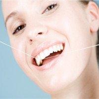 Chỉ nha khoa hoàn toàn vô dụng với răng miệng?