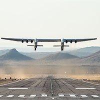 Chiếc máy bay lớn nhất thế giới có 6 động cơ Boeing 747 lần đầu cất cánh